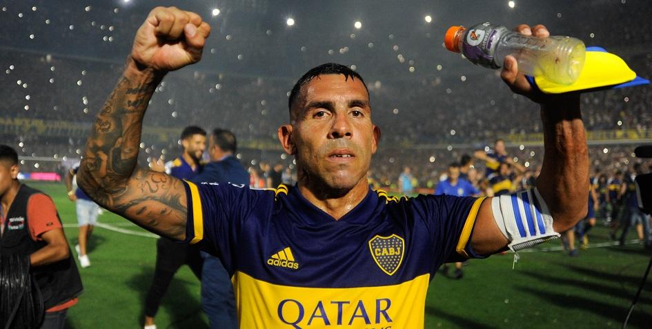 Карлос Тевес, капитан команды «Бока Хуниорс», в 34-й раз ставшей чемпионом Аргентины
