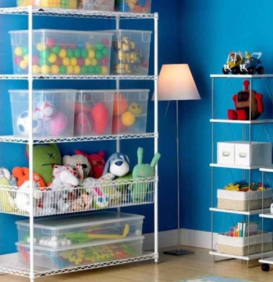 Полупрозрачный стеллаж для детской комнаты