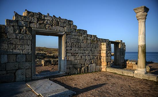 Руины древнегреческого полиса Херсонесв заповеднике «Херсонес Таврический»