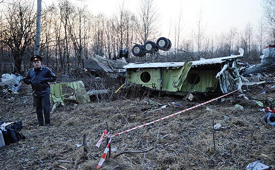 Обломки самолета Ту-154. Архивное фото