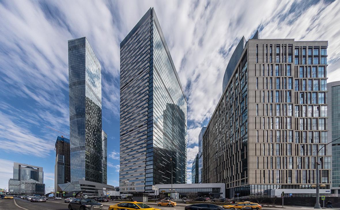 На устранение недостатков в небоскребе для чиновников потратили 1,2 млрд