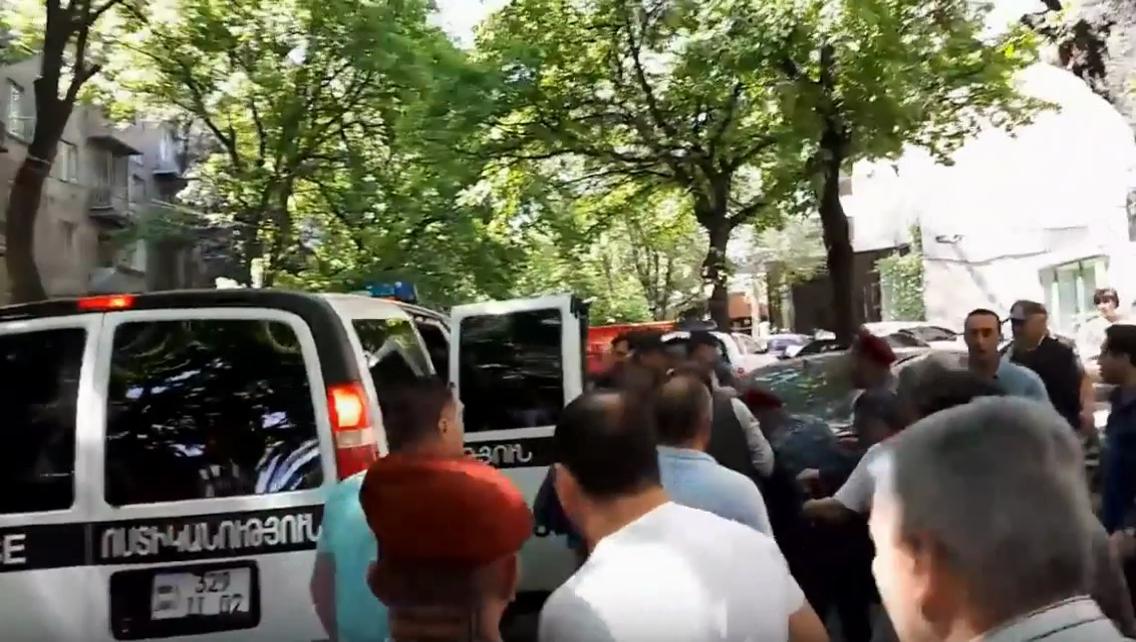 Видео:POLICE RA Vostikanutyun / YouTube
