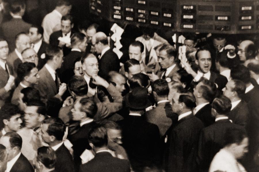 Трейдеры на площадке Нью-Йоркской фондовой биржи. 1936 год