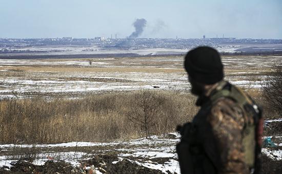 Солдат cамопровозглашенной Донецкой народной республики на фото окрестностей Дебальцево, 18 февраля 2015 года