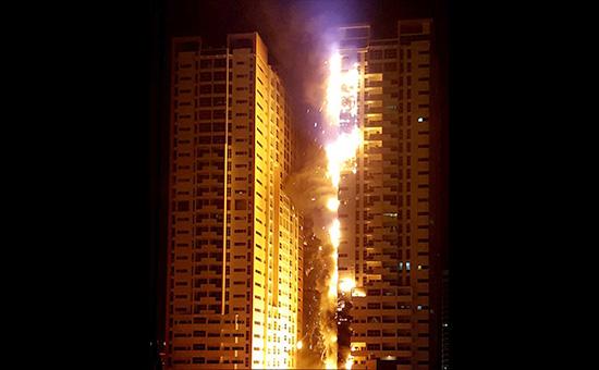 Пожар в жилом комплексе Ajman One