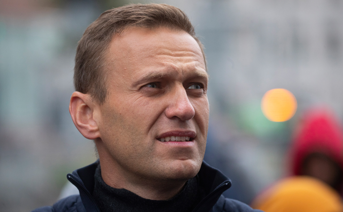 Суд принял к производству иск Навального к Пескову