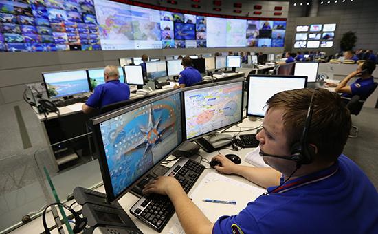 Зал оперативного реагирования национального центра управления вкризисных ситуациях МЧС России