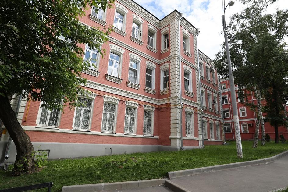 В списке оказался также жилой дом по Варшавскому шоссе, 4, построенный в 1917 году