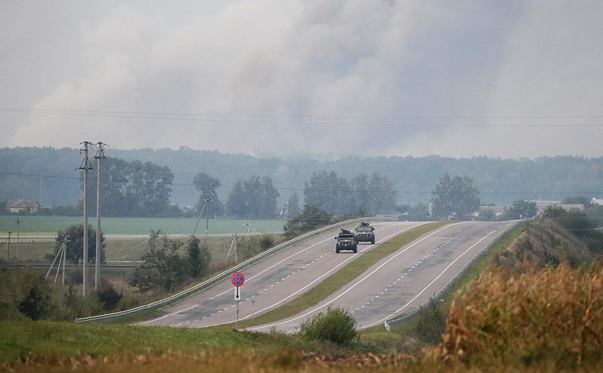 Дым после взрыва на военных складах под Винницей. 27 сентября 2017 года