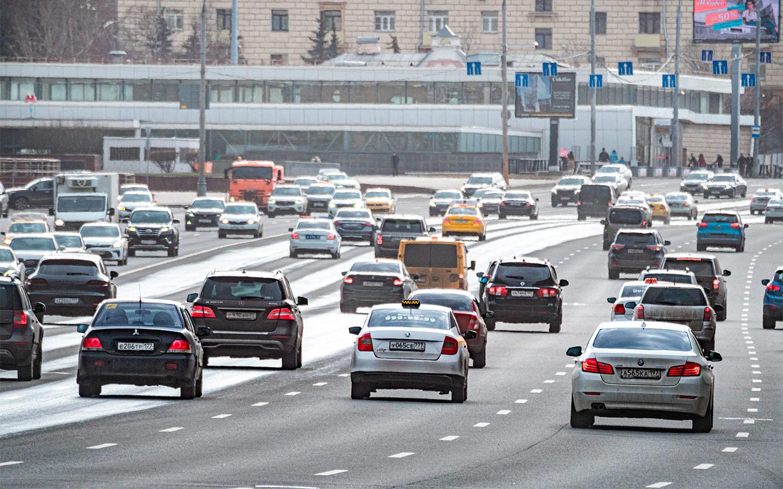 <p>Одно из самых кардинальных предложений автомобилистов&nbsp;&mdash; установка отбойника на Кутузовском проспекте.</p>