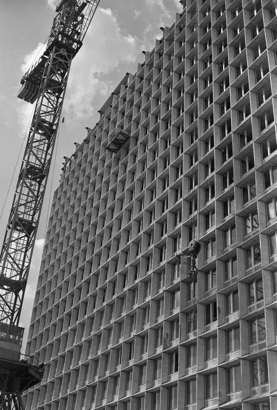 Новое здание Центрального экономико-математического института Академии наук СССР. 1974 год