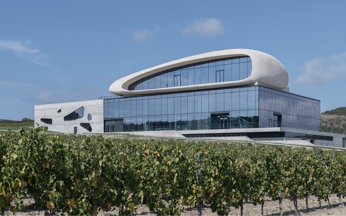 Гравитационная винодельня Côte Rocheuse («Скалистый берег»)