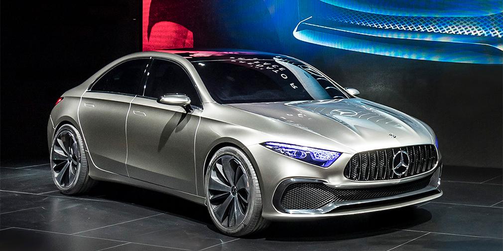 Mercedes-Benz Concept A  Прототип Concept A является предвестником седана Mercedes-Benz A-Class нового поколения, который выйдет на рынки в конце 2018 года. А еще он демонстрирует новый стиль, в котором будут решены все компактные модели марки ближайшего будущего. Наконец, это первая модель на модернизированной платформе MFA2, которую следом примерят оба семейства А- и В-класса, включая компактные кроссоверы и будущий кабриолет А-класса. В гамму двигателей войдут четырехцилиндровые бензиновые и дизельные турбомоторы, будет гибридная модификация, а также быстрый седан A45 мощностью более 400 лошадиных сил.