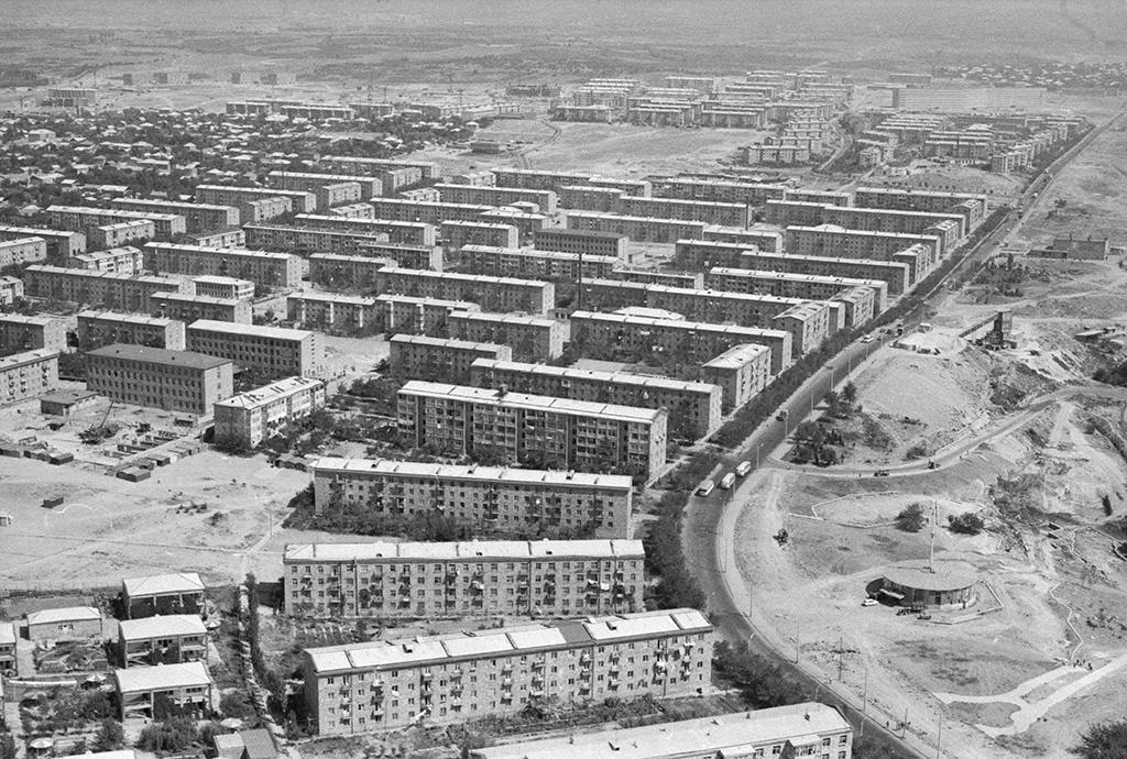 Общий вид нажилой массив Ачапняк (Ереванские Черемушки),Армянская ССР. 1970 год
