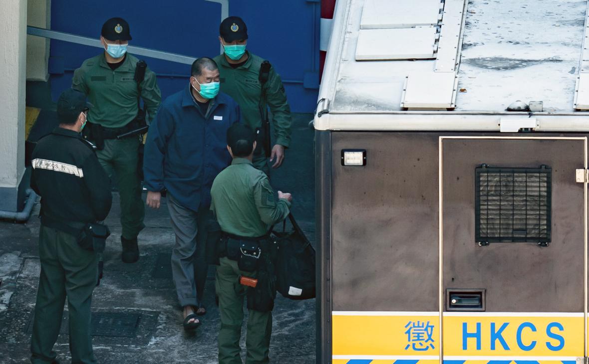 Гонконгскому медиамагнату дали 14 месяцев тюрьмы за участие в протестах