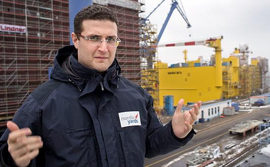 Бизнесмен Виталий Юсуфов на верфи вРосток-Варнемюнде, Германия. Февраль 2013 года
