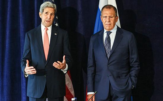 Госсекретарь США Джон Керри и министр иностранных дел России Сергей Лавров (слева направо) во время встречи в рамках Генассамблеи ООН