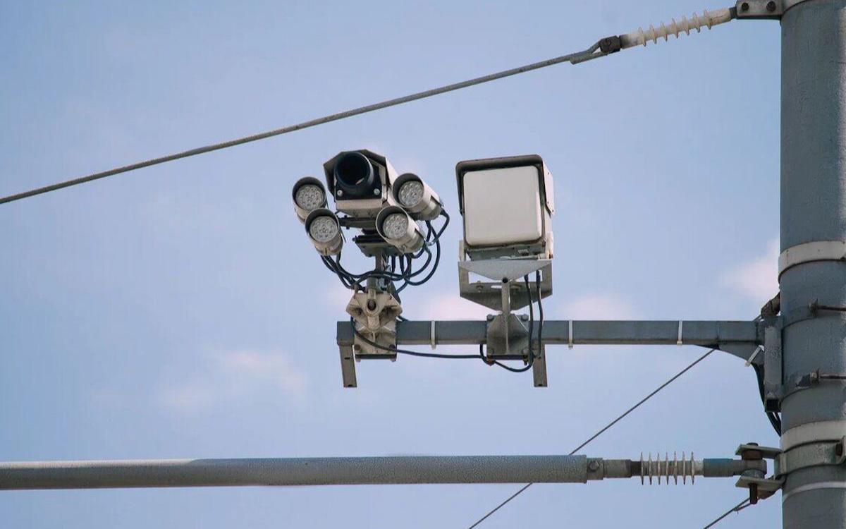 <p>Система &laquo;Паутина&raquo; глобально объединяет все камеры и неважно, какие они и кому принадлежат&nbsp;&mdash; ЦОДД, ГИБДД, АМПП.</p>