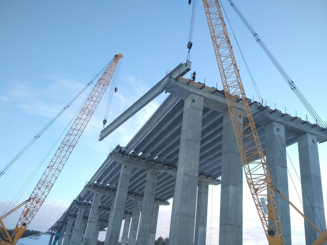 Сооружение совмещенной эстакады, моста и путепровода на Восточном обходе