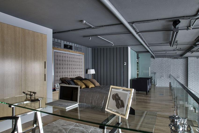 Роскошная кровать и прикроватные тумбы бренда Molteni и аксессуары Eichholtz