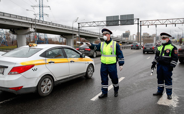 <p>В случае остановки нарушителя сотрудником Госавтоинспекции, лихач может лишиться водительских прав.</p>