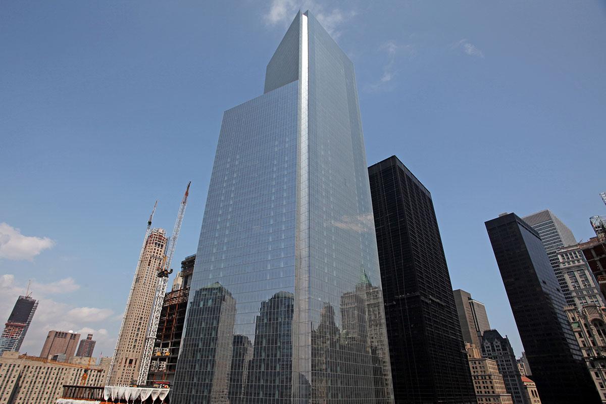 Площадь небоскреба составила 167тыс.кв.м, высота— 298м