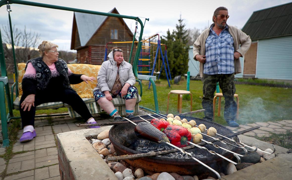 Жители России оценили влияние длинных майских выходных на доходы