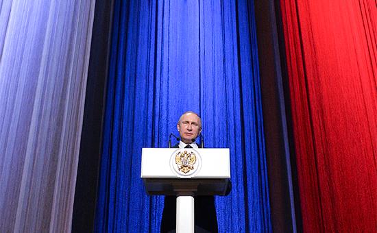 Путин назвал позицию США по Украине «попыткой помешать воссозданию СССР»