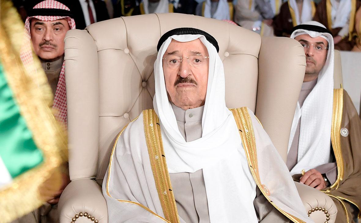 Эмир Кувейта Шейх Сабах аль-Ахмед аль-Джаберас-Сабах(в центре)