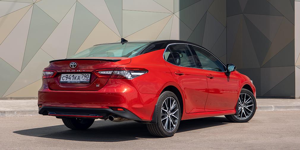 Новая версия GR Sport— это история про внешние украшения, а не про техническую начинку Toyota Camry.