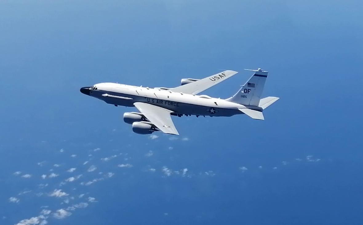 Разведывательный самолет RC-135 ВВС США