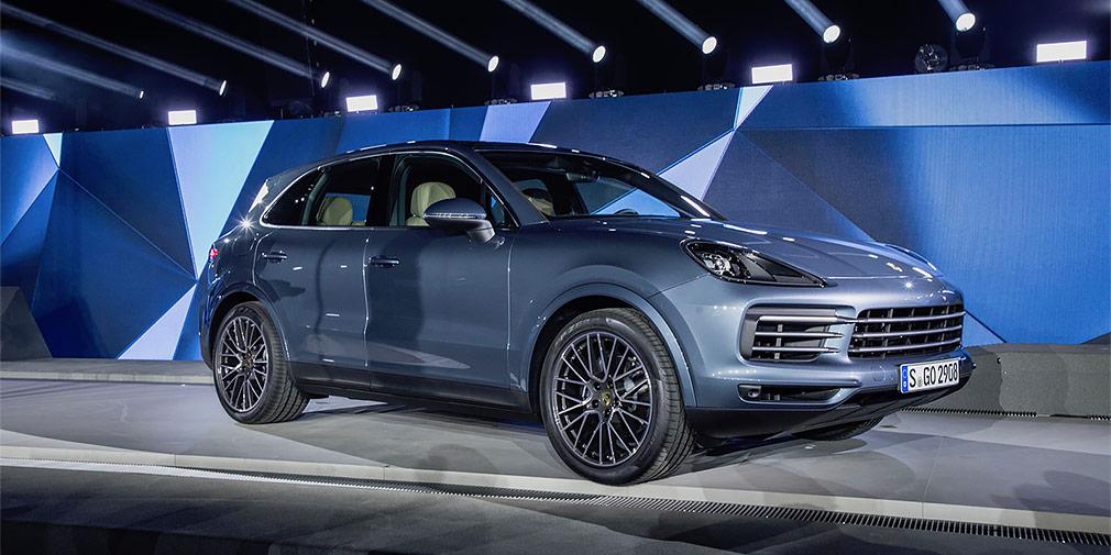 Porsche Cayenne  Третье поколение Porsche Cayenne появится в России только в 2018 году. На старте модель будет продаваться с двумя новыми моторами мощностью 340 и 440 лошадиных сил.