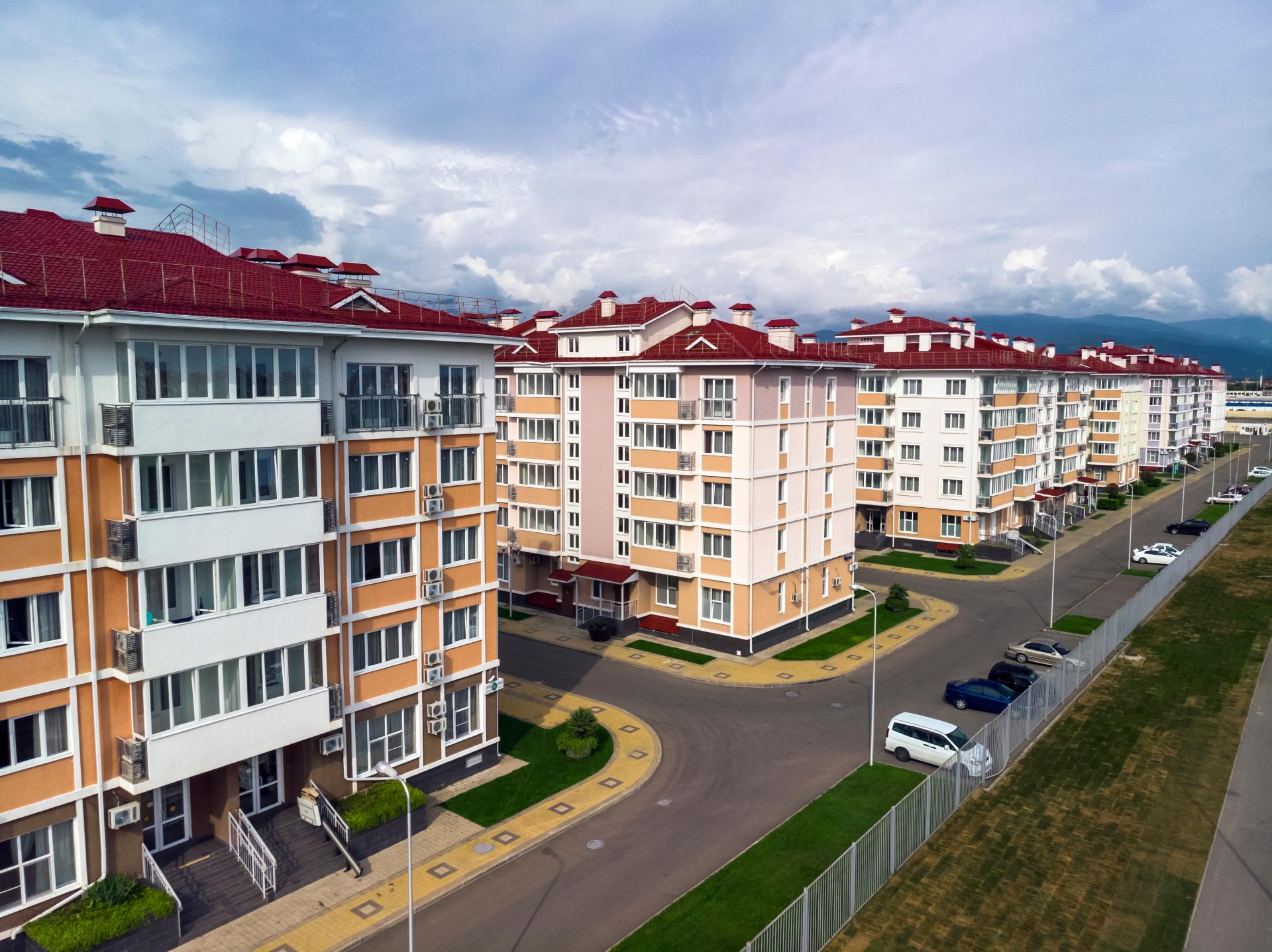 Девять из десяти покупателей жилья в Сочи— приезжие. Жилье покупают для переезда на пенсию или для сдачи в аренду
