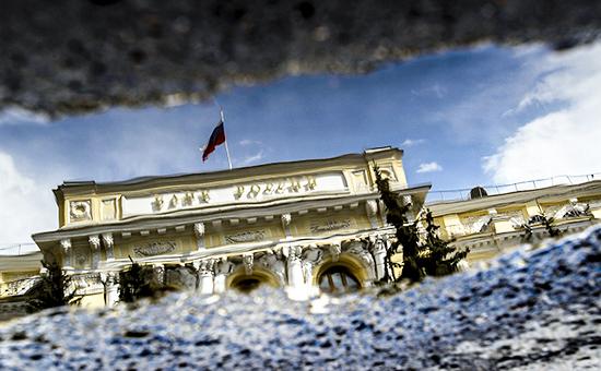 ЦБ поддержит рубль решением по ключевой ставке