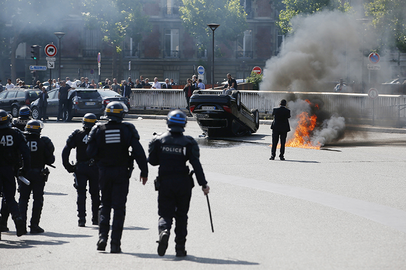 Франция. Акция протеста против такси-сервиса Uber