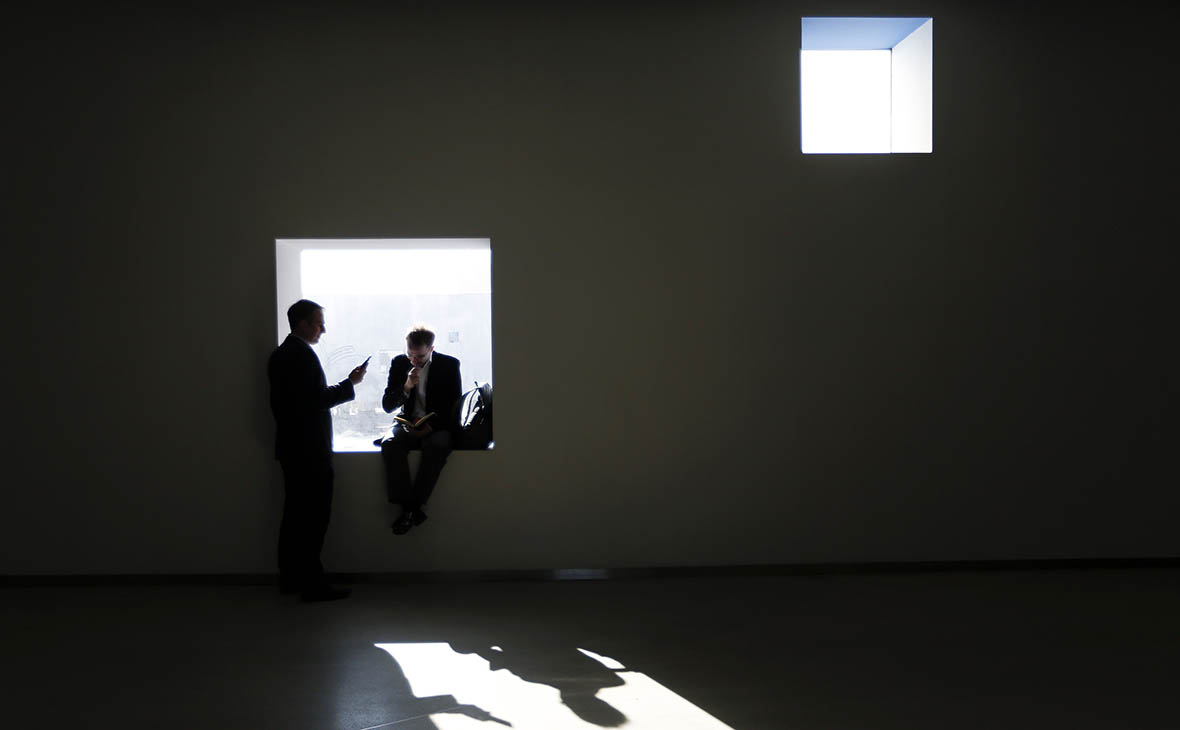 Зарубежные компании снизили своим сотрудникам в России зарплаты