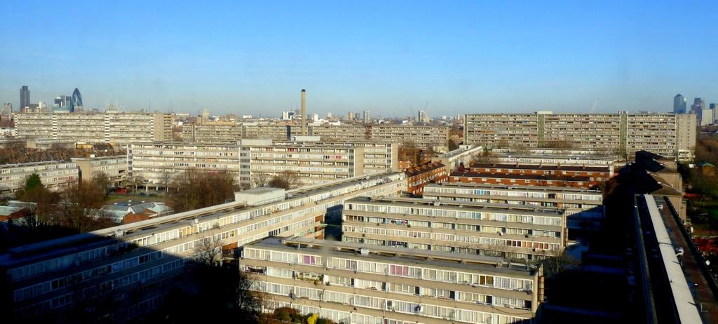 Социальное жилье вЛондоне. На фото—комплекс Aylesbury Estate, сохранившийся досих пор