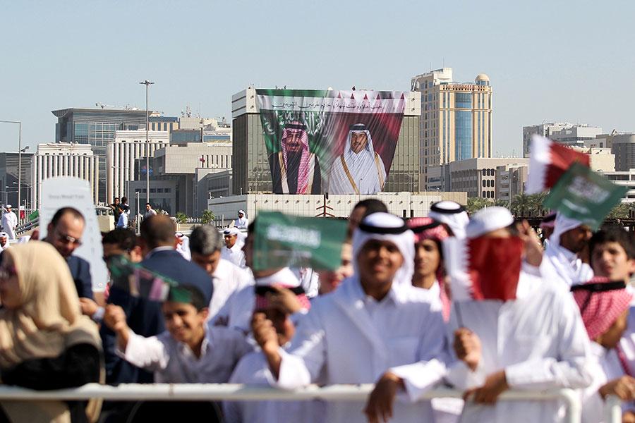 Церемония встречи короля Салмана вКоролевском суде вДохе, Катар. Декабрь 2016 года