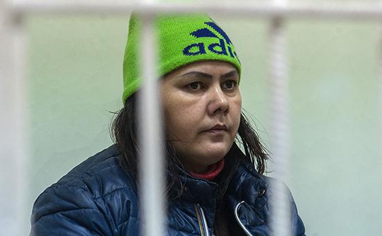 Гюльчехра Бобокулова, няня, обезглавившая ребенка, в Хорошевском суде Москвы