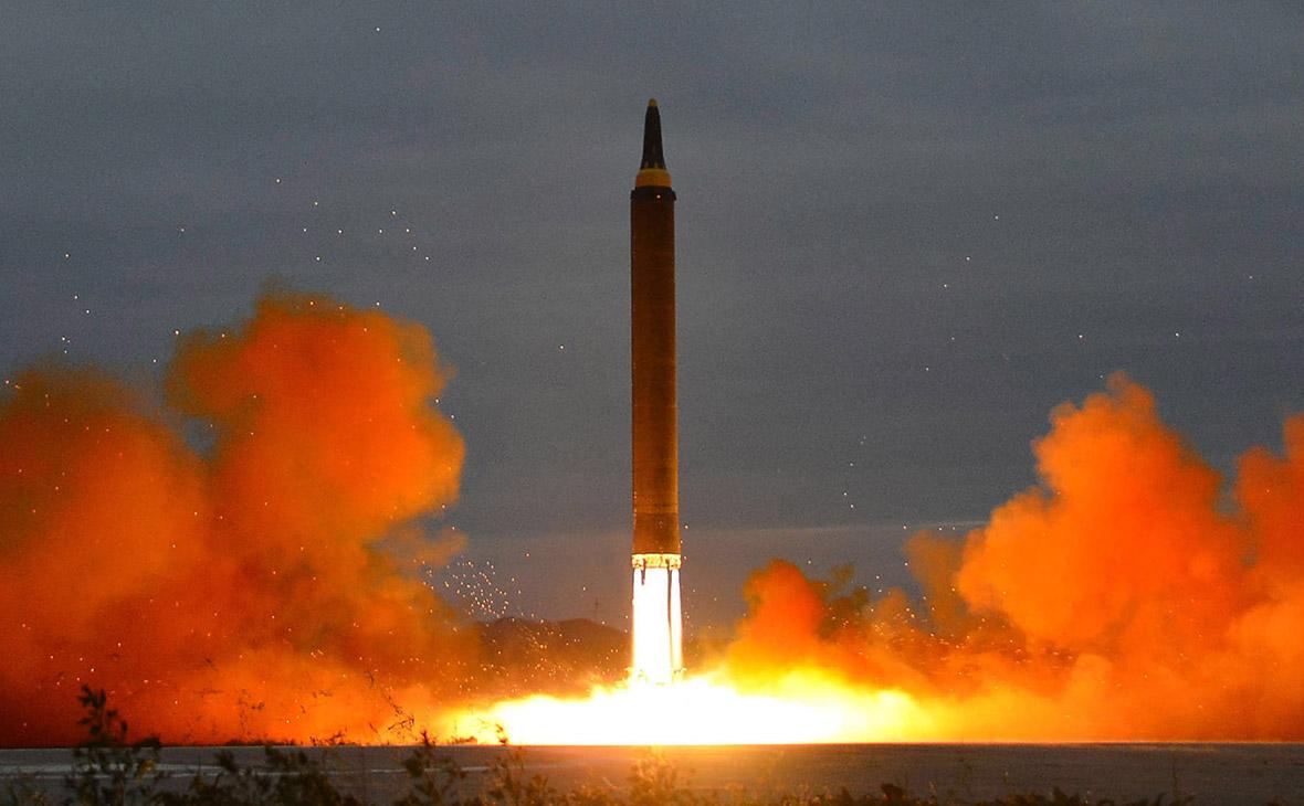 Запуск баллистической ракеты в Северной Корее. Архив