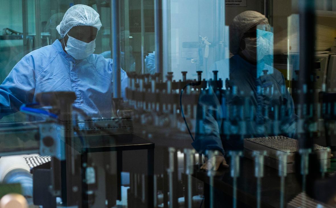 Гинцбург назвал отличие вакцины Спутник V от вакцины AstraZeneca