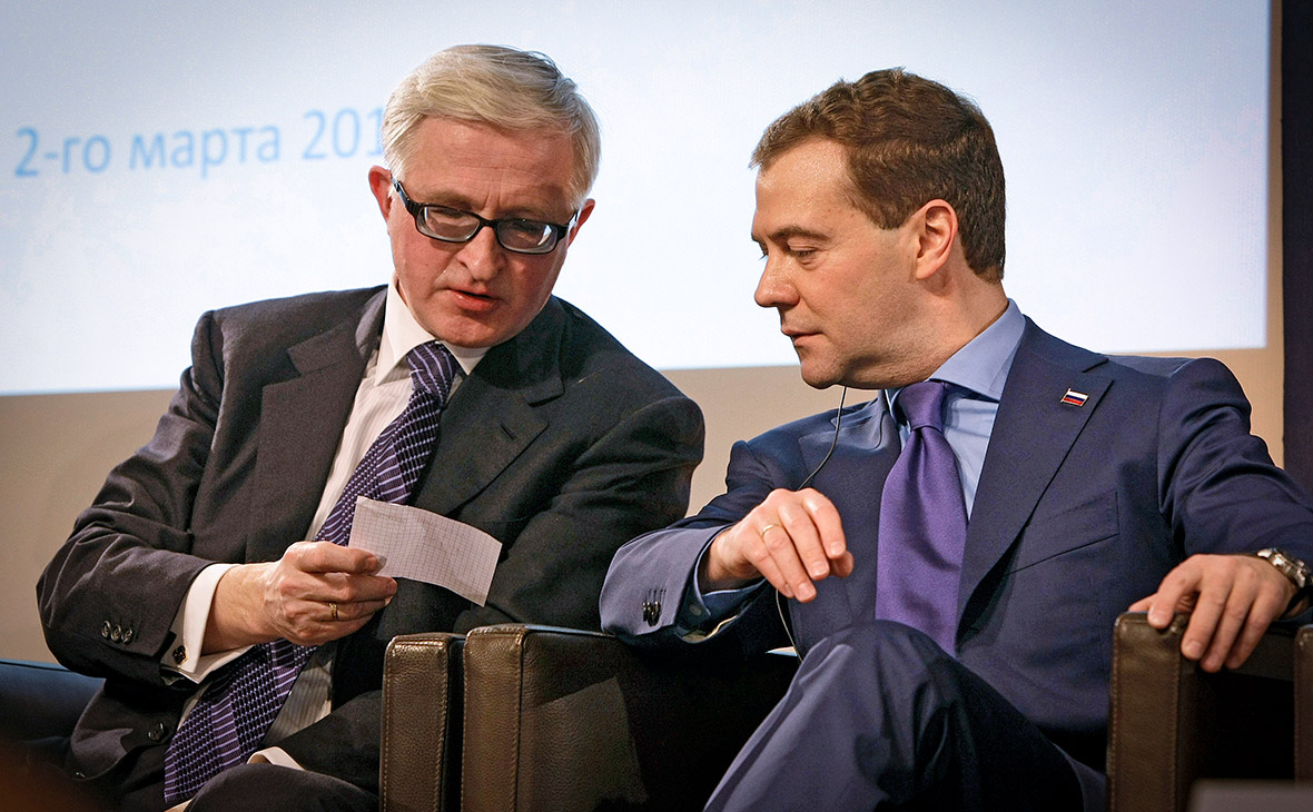 Александр Шохин и Дмитрий Медведев (слева направо)