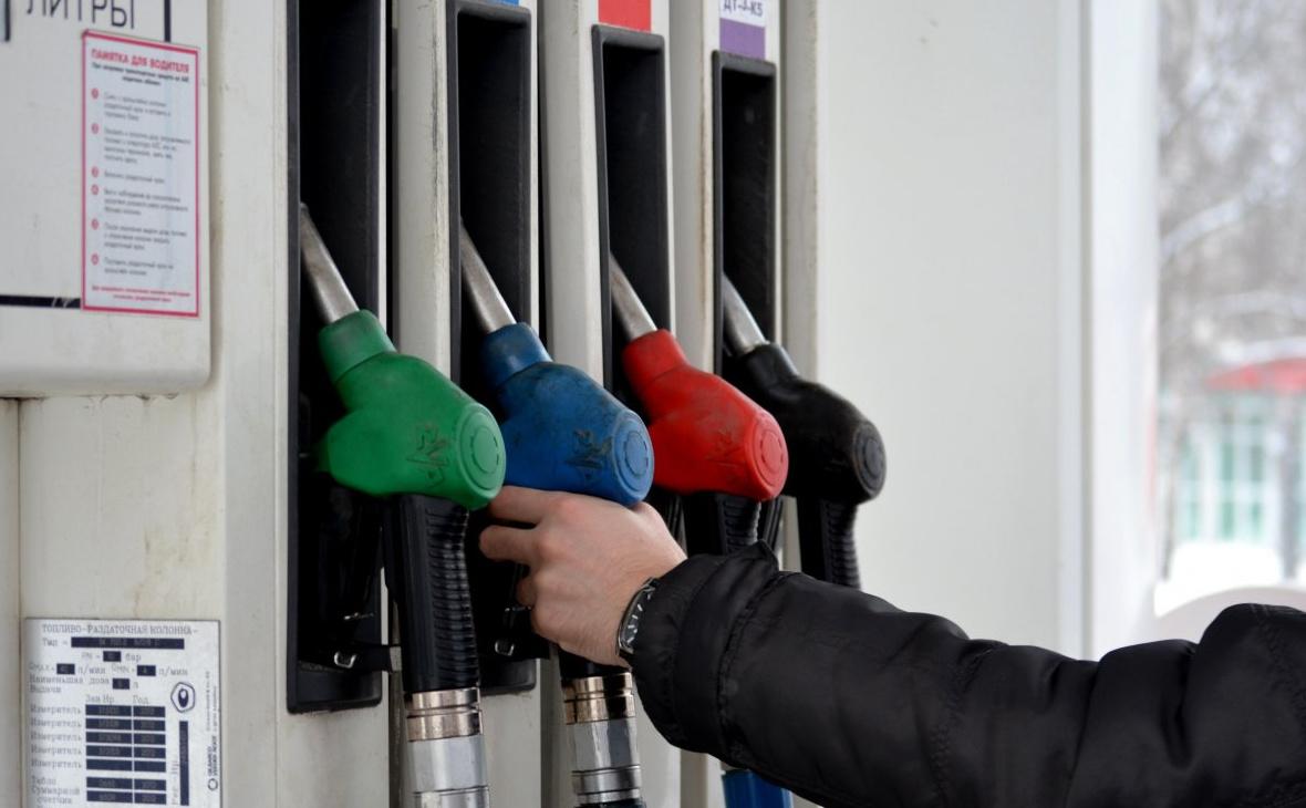 На среднемесячную зарплату в Башкирии можно купить 675 литров бензина