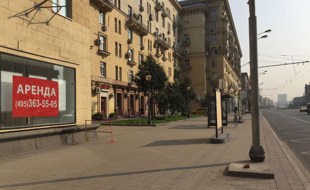 На Кутузовском проспекте многие торговые помещения пустуют