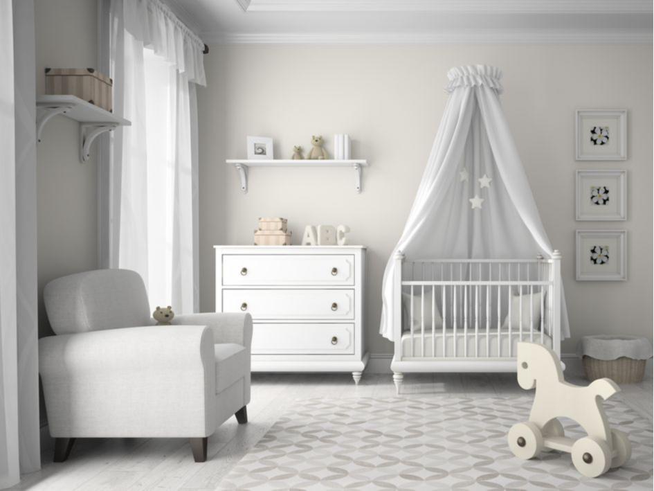Над кроватью можно повесить балдахин— дети очень любят домики
