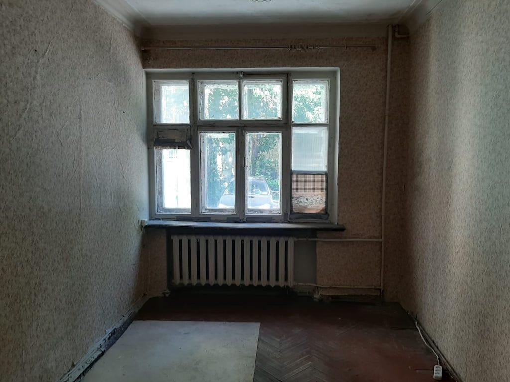 Квартира находится в доме на Ольховской улице. Рядом— площадь трех вокзалов. Площадь лота— 13,2 кв. м