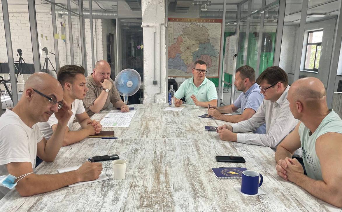Заседание круглого стола демократических сил
