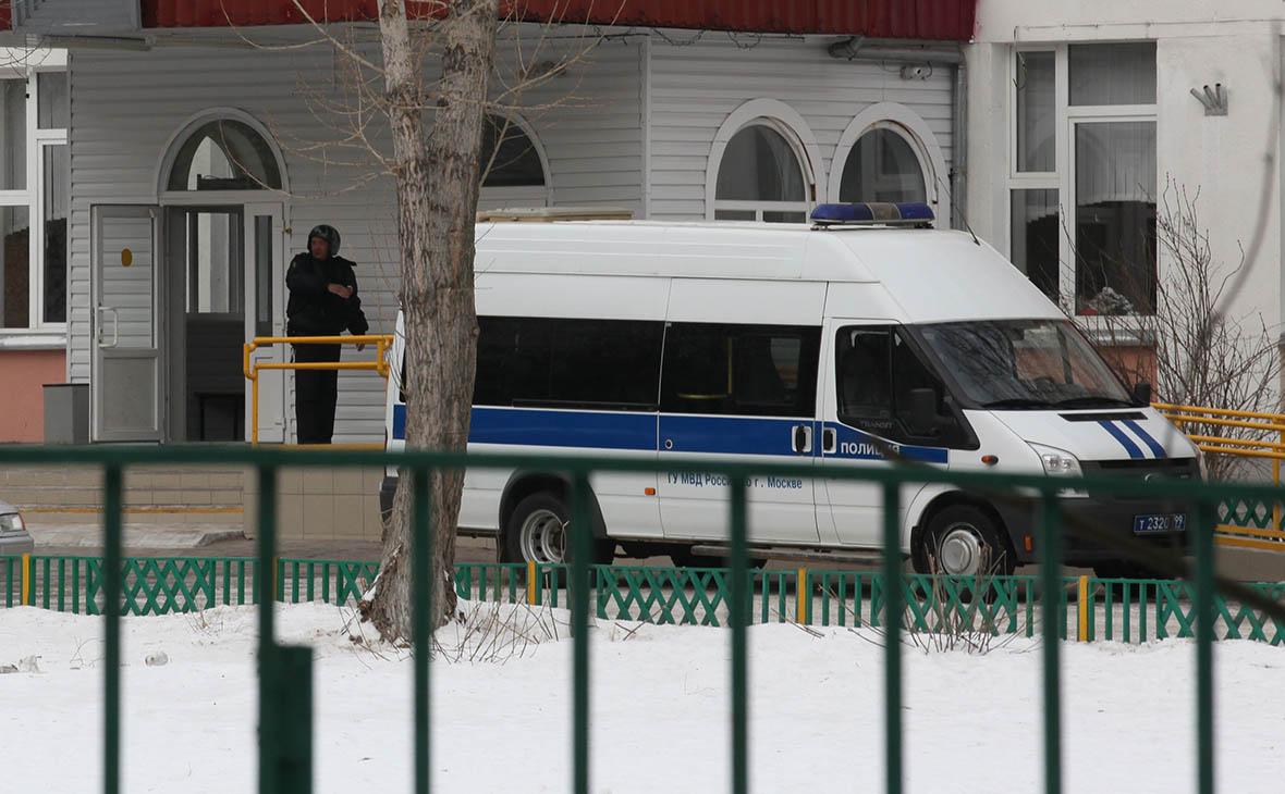 Подросток под Улан-Удэ напал в школе на учительницу и детей