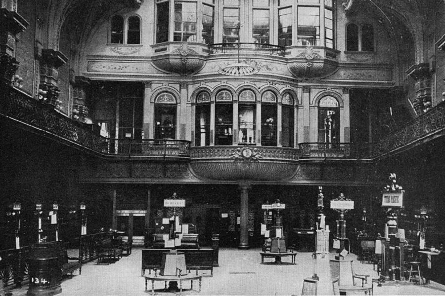 Интерьер Нью-Йоркской фондовой биржи в 1930 году