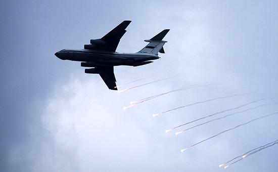 На базе транспортного Ил-76 (на фото) в России строят самолет, который будет оснащен новым лазерным оружием